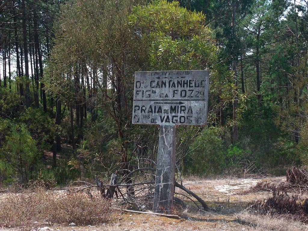 Anciens panneaux de direction