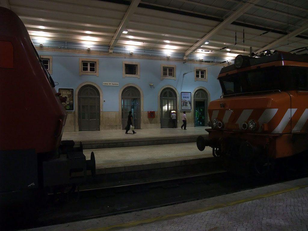 Trains à l'arrêt