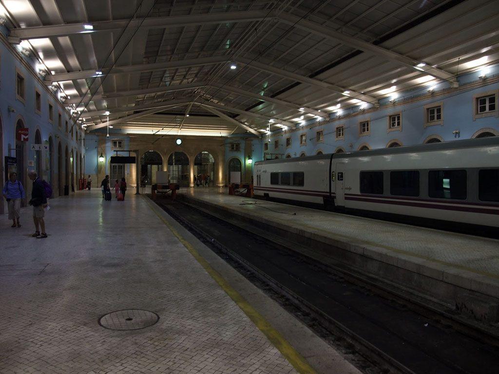 Gare de Lisbonne : Santa Apolonia