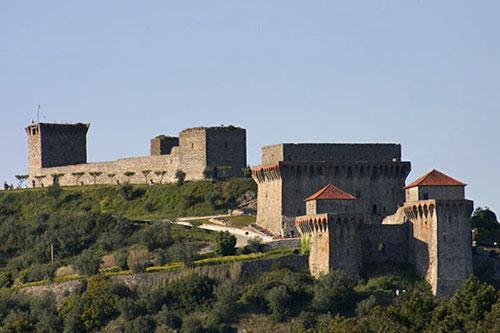 Château de Ourém, vue générale, source Wikipedia