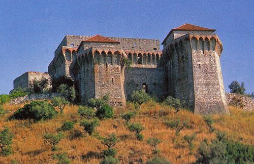 Tours du Château de Ourém. Source Wikipedia