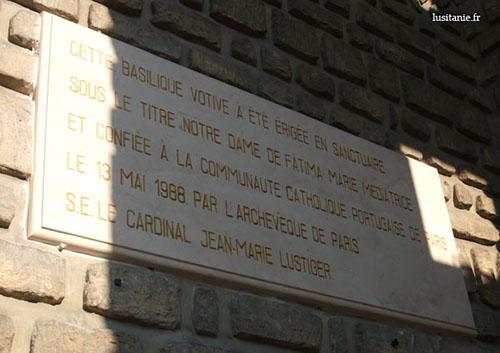 Plaque inaugurale de l'église