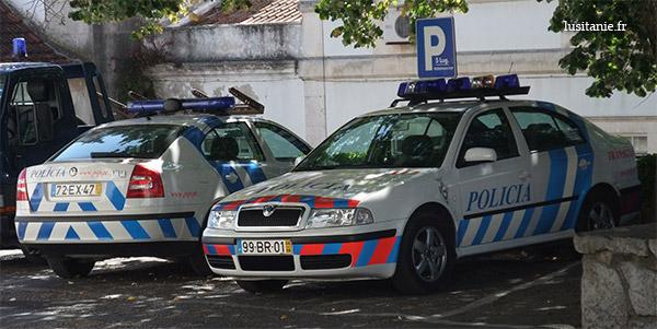 Voitures de police, avant et arrière