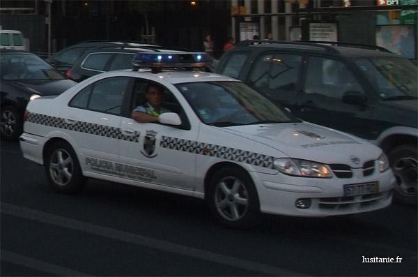 Voiture de police municipale de Lisbonne