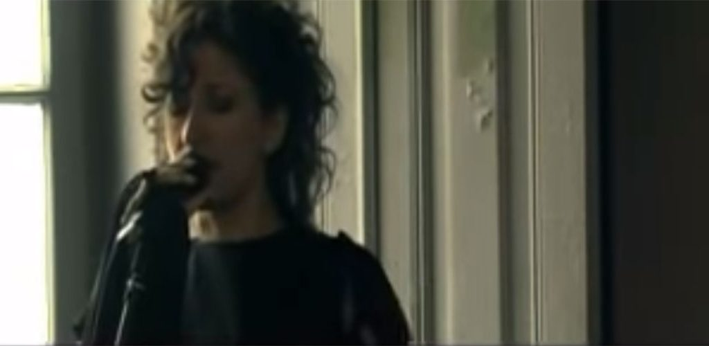 Ana Moura chante le nouveau Fado