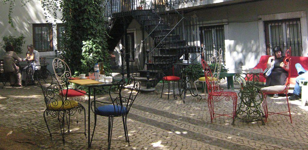Terrasse de bar à Lisbonne