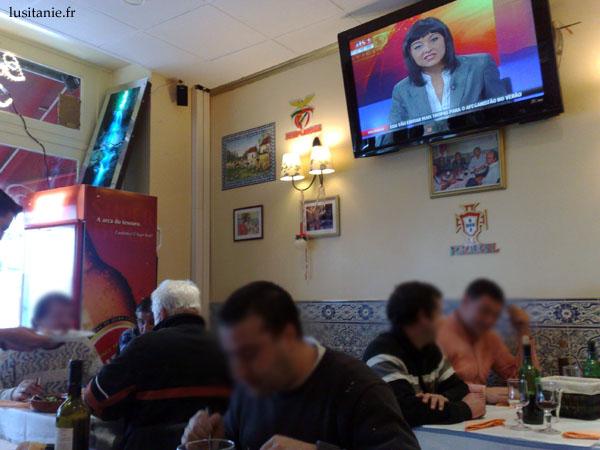 On peut regarder tranquillement la chaîne portugaise Sic Noticias, mais pas trop l'entendre...