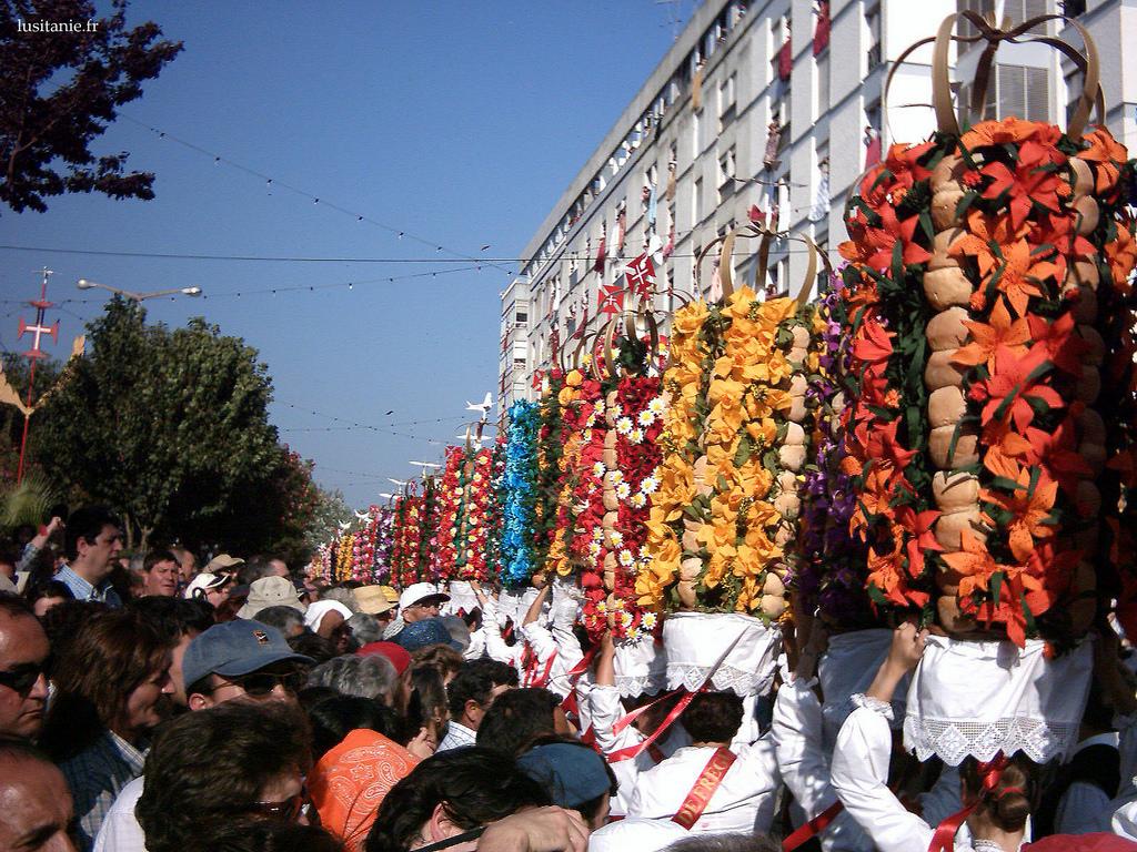 Cortège de la Festa dos Tabuleiros