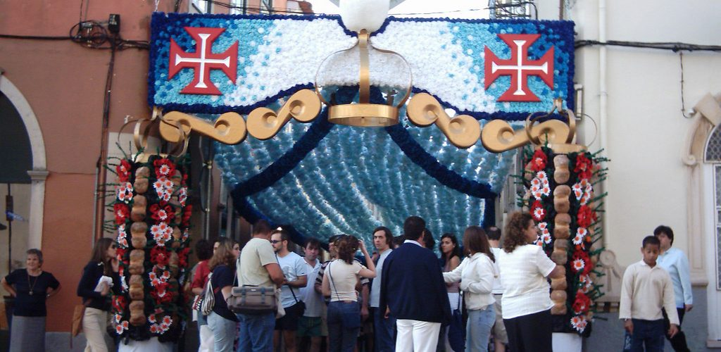 Rues de Tomar pendant la Festa dos Tabuleiros