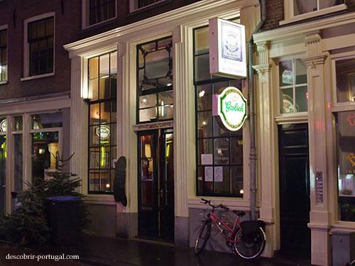 Façade du restaurant portugais à Amsterdam