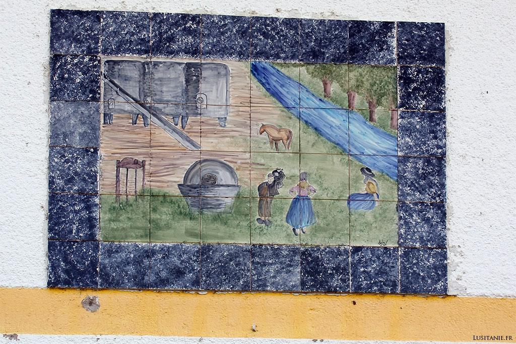 Les azulejos décoratifs nous montrent l'ancien temps...