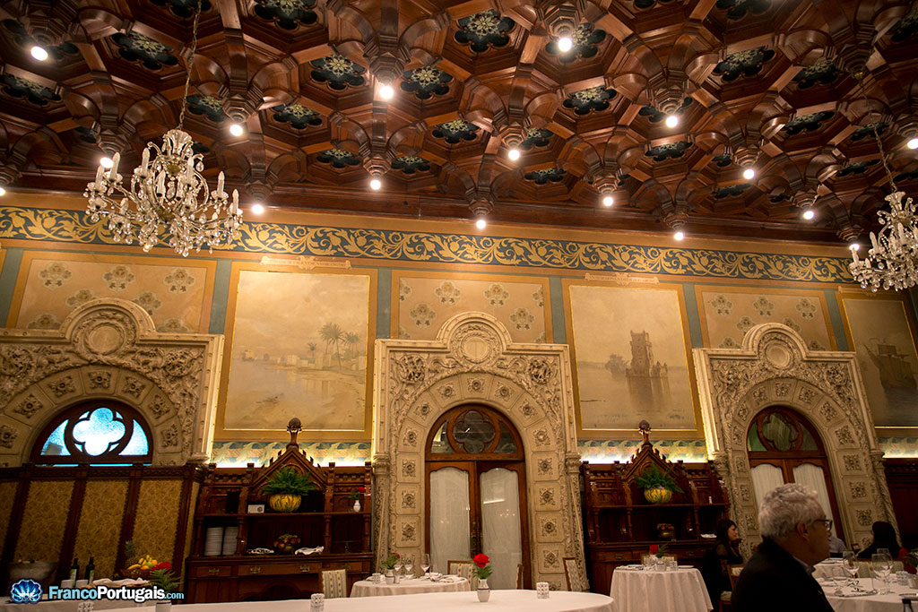 plafond arabe du restaurant