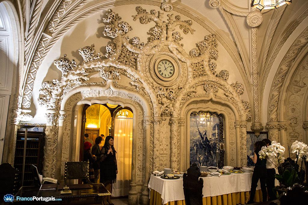 Le néo-manuélin dans toute sa magnificence. Le manuélin est un gothique tardif, inspiré par des motifs marins.
