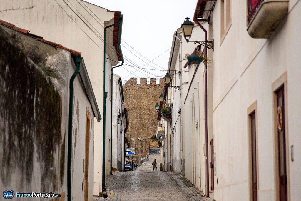 rue et château