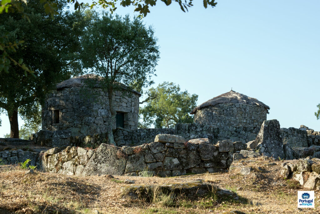 Deux maisons reconstruites