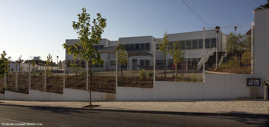 Ecole d'Abiul, moderne.