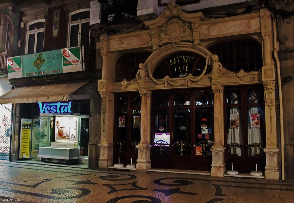 Le plus célèbre café de Porto, le Majestic. Sa façade est l'une des plus emblématiques de la ville.