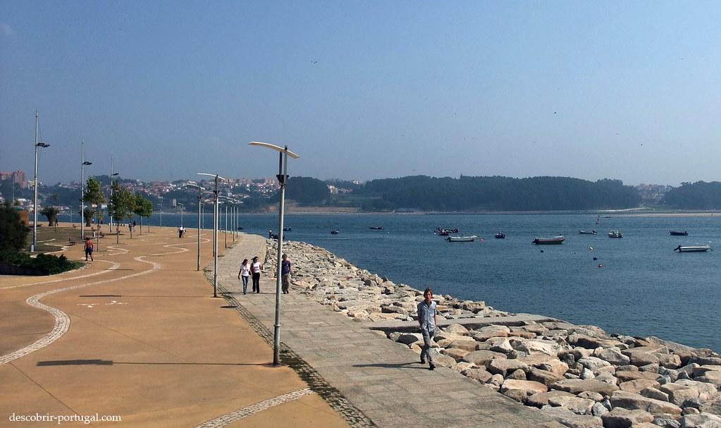 Un espace moderne où l'on peut venir flâner, à l'endroit où le Douro se jette dans l'Océan.