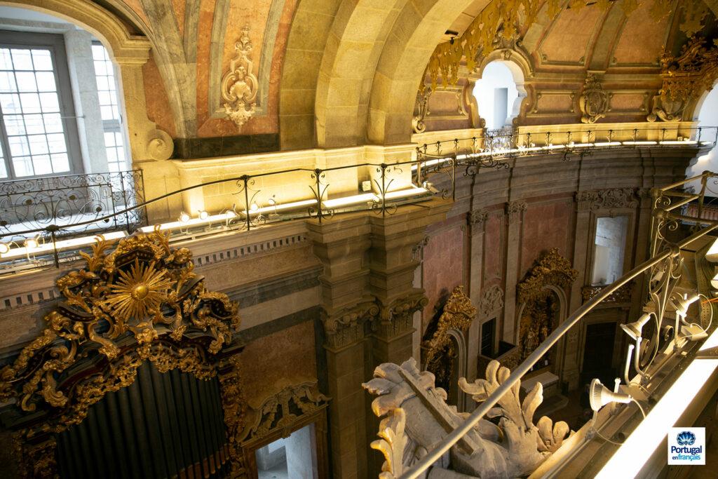 étage supérieur de l'église