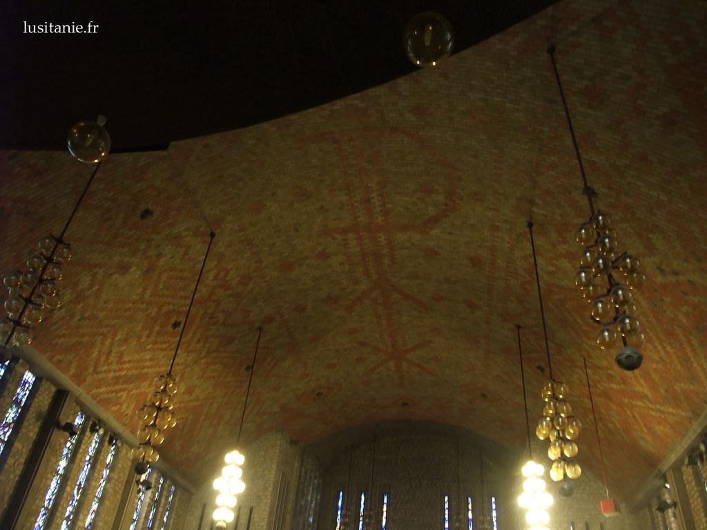 Plafond avec l'inscription PAX