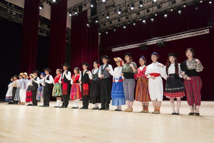 chinois habillés en portugais